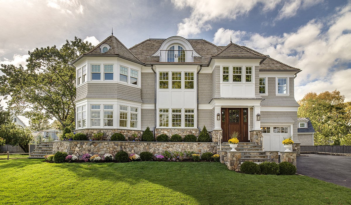 custom shingle style home in darien Connecticut by cardello architects
