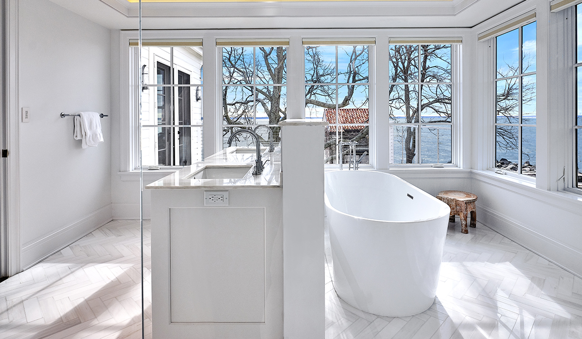 Modern bathroom in Stamford Connecticut houselift waterfront renovation