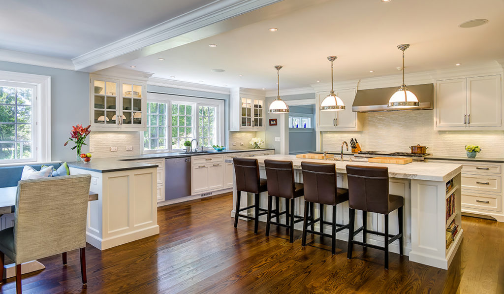 Colonial Style Homes Focus On The Kitchen