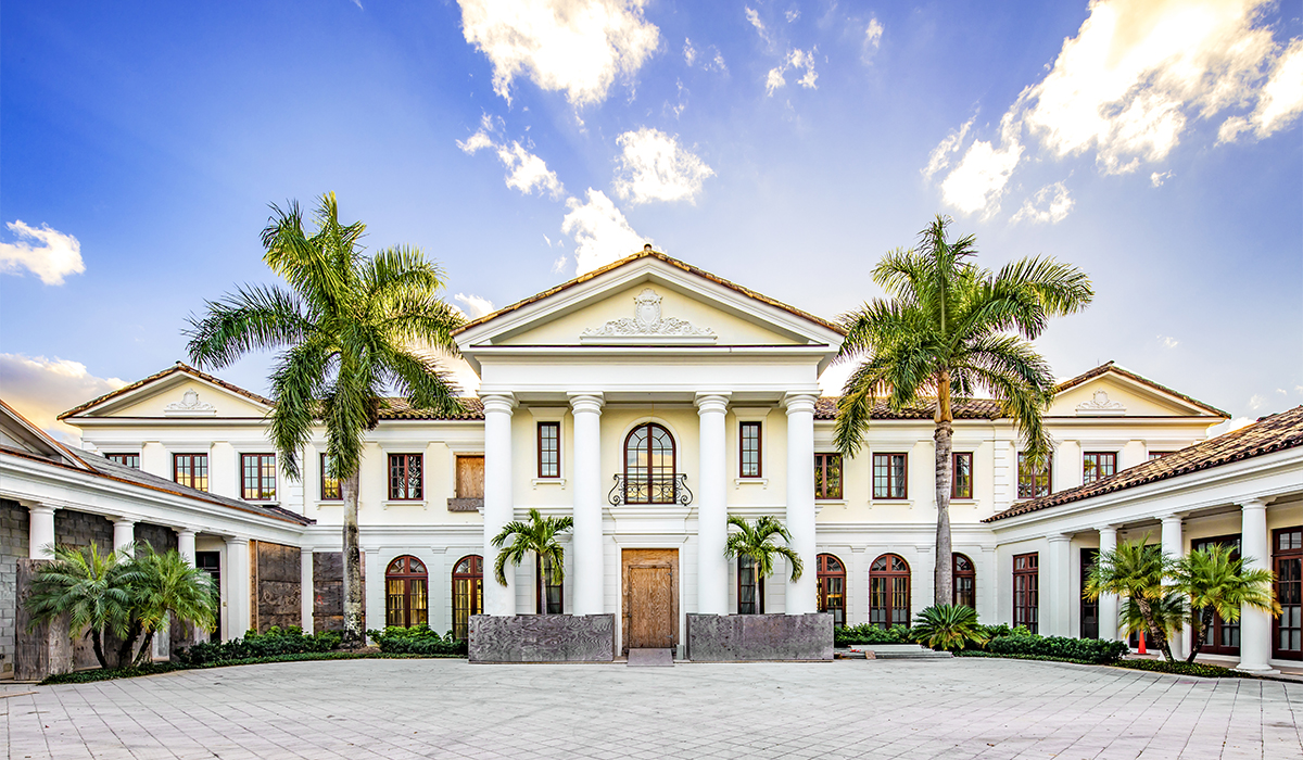 Jupiter Florida luxury home renovation and addition with large drivecourt